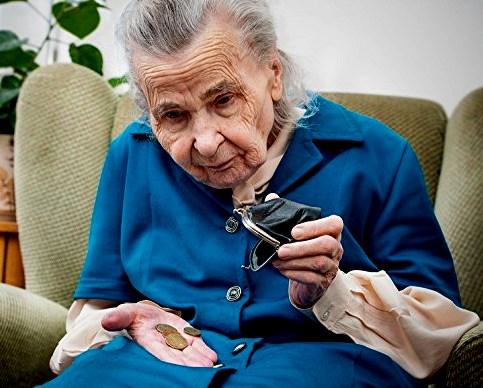 Seniors avoid joint accounts